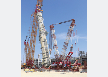 The XGC88000 ... hoisting a 1,926-tonne washing tower at the EO/EG III project.