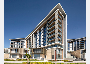 Bluewaters Residences comprises 10 mid-rise buildings providing 698 apartments, four penthouses, and 17 townhouses.