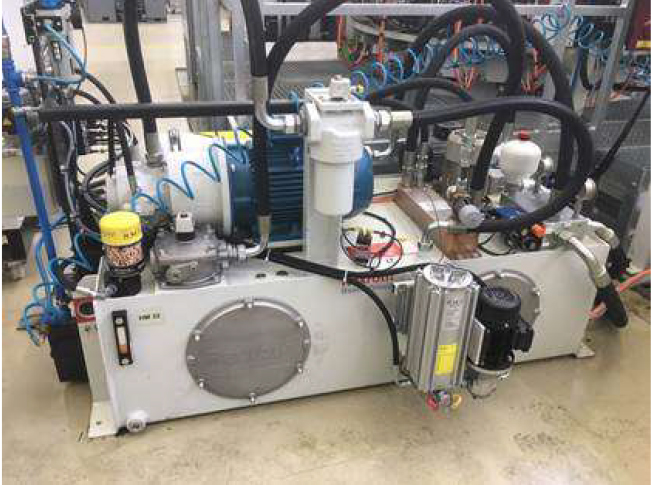 Example of a Hydraulic System equipped with RMF Desiccant Breather.