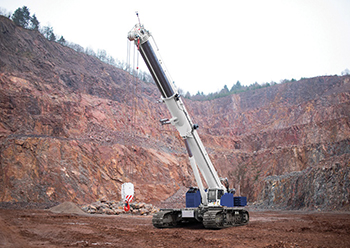 The GTC-1800EX has an actual lifting capacity of 156 tonnes and a maximum load moment of 590 MT.