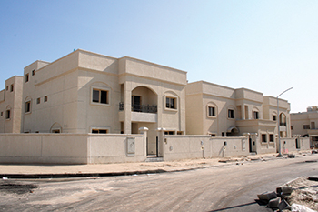 The contract by PAHW aims to address Kuwait's severe housing shortage.