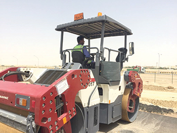 A Dynapac tandem roller ... designed with efficiency in mind.