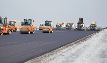 "The entire fleet of 12 Super pavers is working ""hot on hot"" at the Istanbul New Airport."
