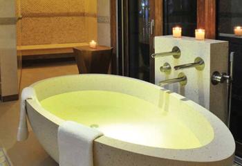 A bathtub supplied for Banana Island Resort.