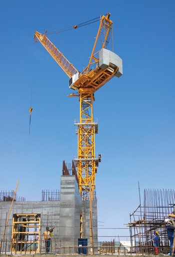Liebherr luffing jib cranes at work on the Kingdom Tower.