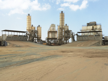 Qanbar Readymix has mobilised a twin plant batching facility at JEC.