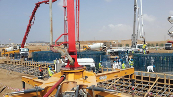 A major concrete pour at Jizan Refinery.
