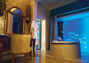 The Lost Chambers Suite bath at Atlantis The Palm.