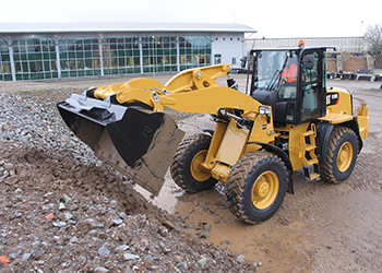 The new Cat 918M compact wheel loader.