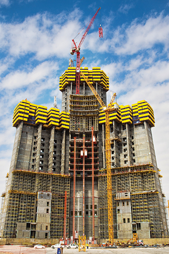 Wolff 355 B on the Jeddah Tower ... the luffers are raised step by step with the building by means of an internal climbing procedure.