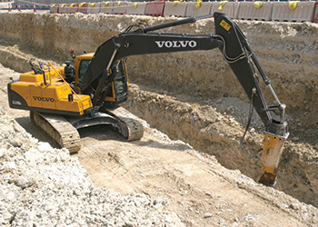 The Volvo EC220DL at work in Al Khor.