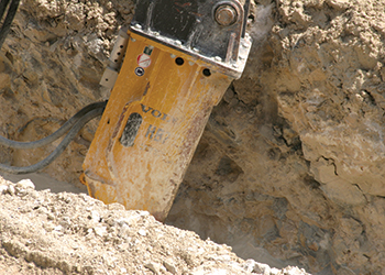 In action ... the Volvo HB22 breaker.