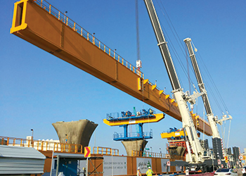The Terex AC 500-2 cranes with compact base on the Riyadh Metro project ... easier to position.