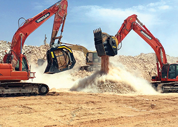 The BF135.8 and MB-S18 ... at work in the quarry in Saudi Arabia.