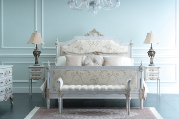 The London Crackle Bed ... stylishly-crafted.