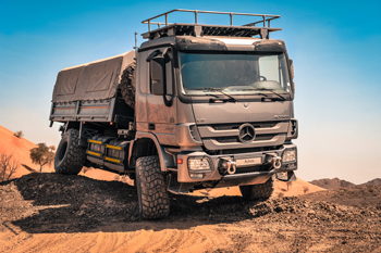 An Actros in action.